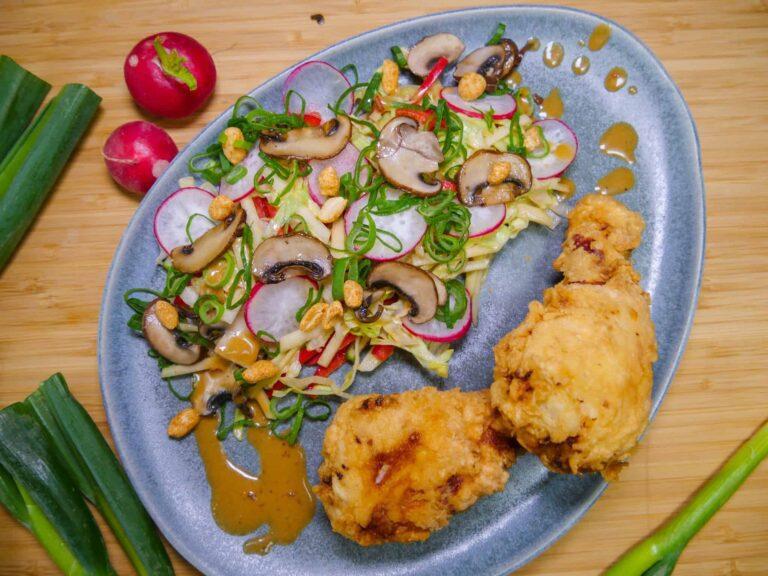 Rezept fuer Fried Chicken mit Salat in asiatischem Dressing 1