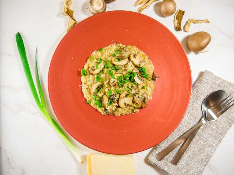 Rezept fuer ein Pilzrisotto mit Champignons und Steinpilzen 1