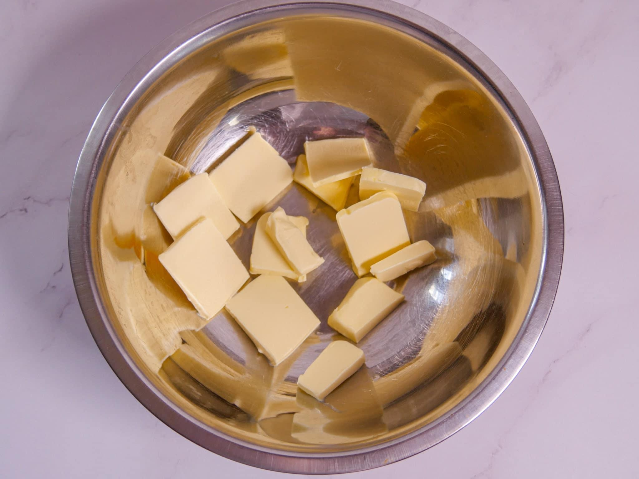 Butter für den Mürbeteig der Lachsquiche