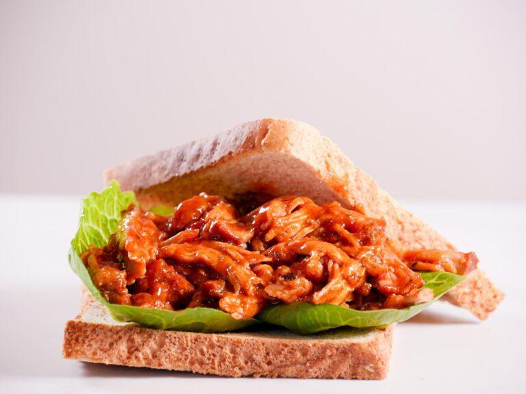 Pulled Pork Sandwich Sous Vide gegart